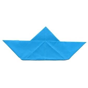 Barco de papel isolado
