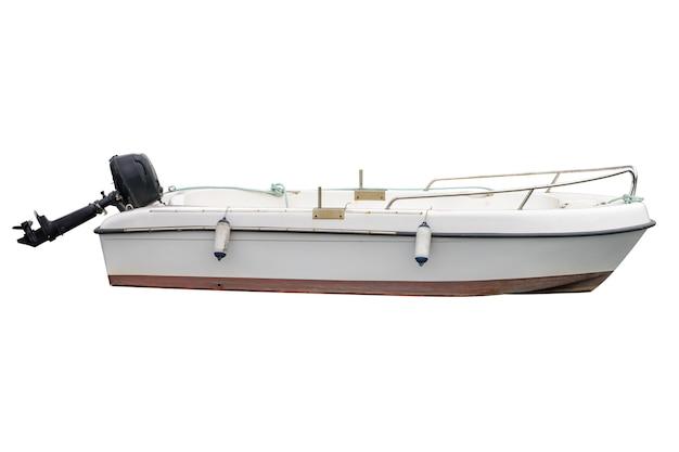 Barco de pesca de madeira branco isolado no branco