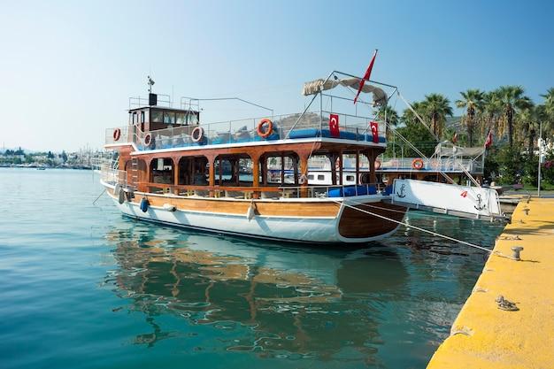 Barco turístico em bodrum