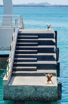 Barcos, amarrado, em, a, antiga, porto, em, clovelly, em, devon, inglaterra