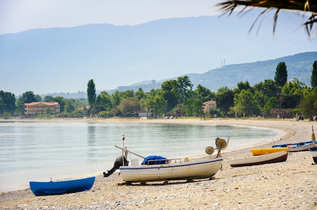 Barcos de fisher na praia