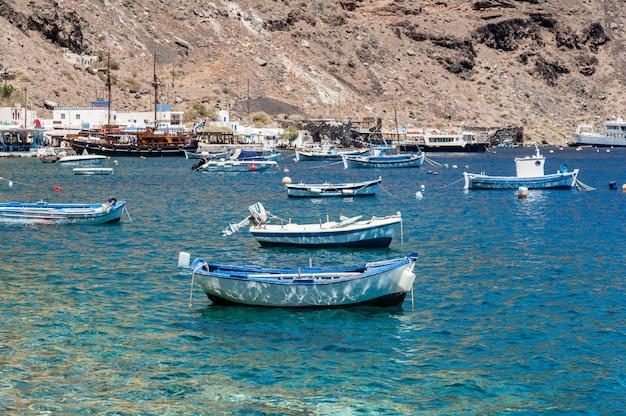 Barcos em santorini