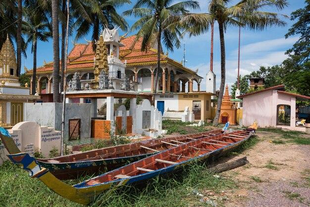 Barcos no complexo do templo, siem reap, camboja