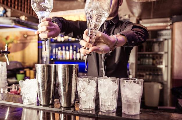 Barman no trabalho