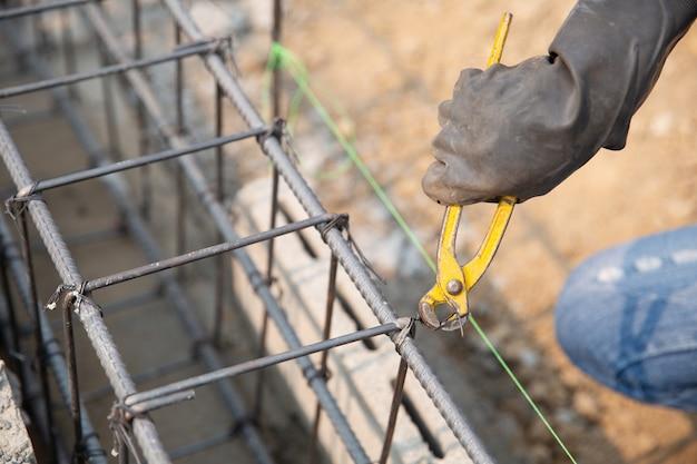 Barra de aço no local de construção