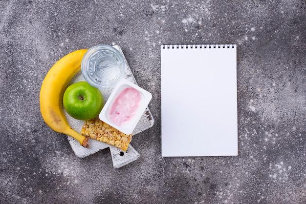 Barra de maçã, iogurte, banana e granola