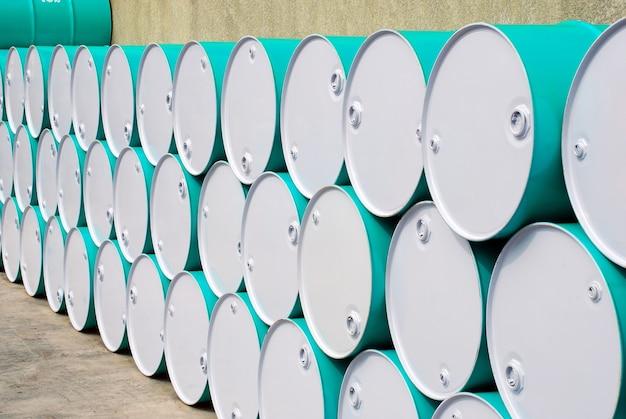 Barril de óleo alinhado em perspectiva