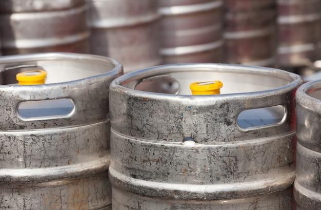 Barris de cerveja em alumínio
