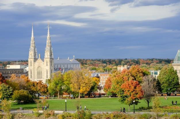 Basílica catedral de notre dame em ottawa, canadá