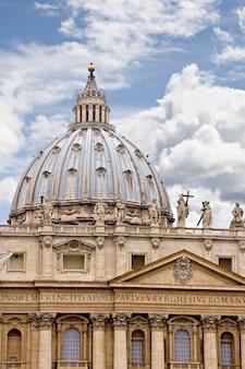 Basílica de são pedro em roma, itália
