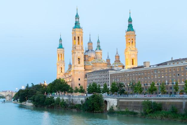 Basílica de zaragoza, espanha