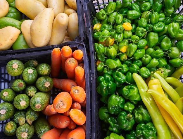 Batata de cenoura pimentão legumes mercado mexicano