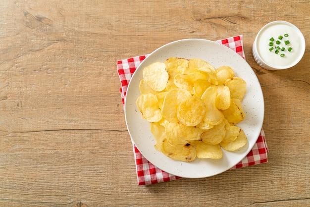 Batata frita com molho de creme azedo