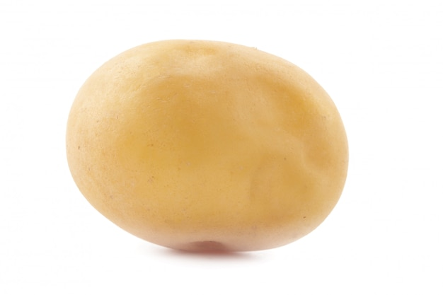 Batata isolada no fundo branco
