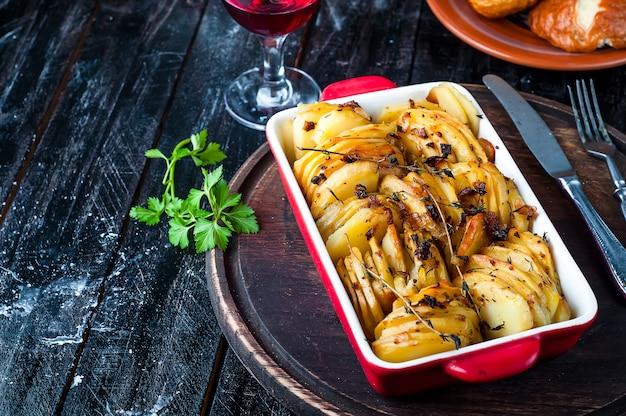 Batatas assadas em fatias