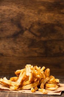 Batatas fritas com espaço para texto