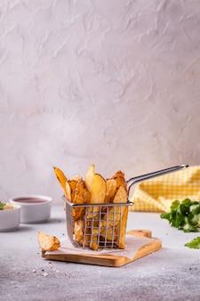 Batatas fritas com especiarias