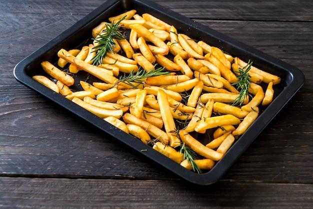 Batatas fritas com molho