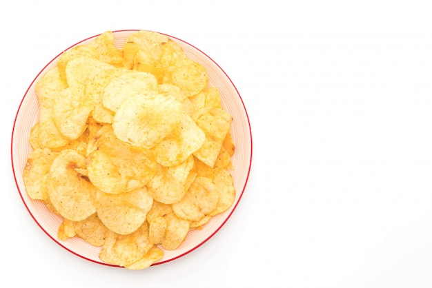 Batatas fritas em fundo branco