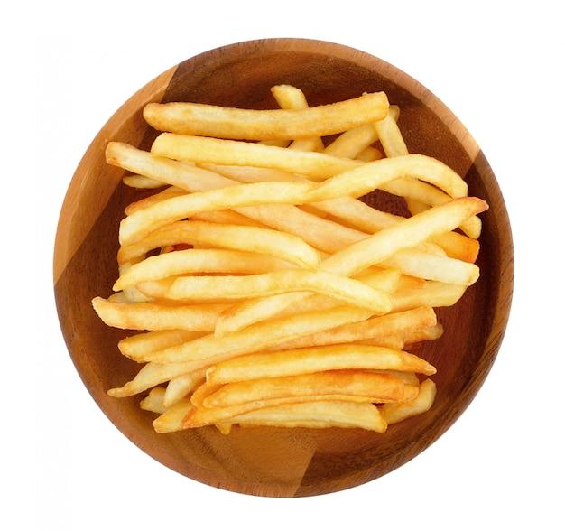 Batatas fritas em um branco