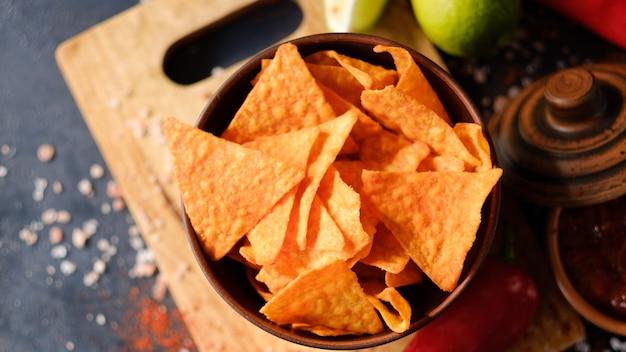 Batatas fritas para festa petiscos comida fatia