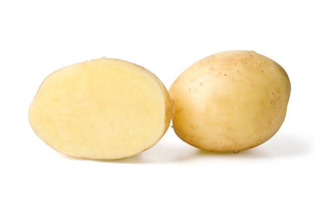 Batatas isoladas em branco com traçado de recorte