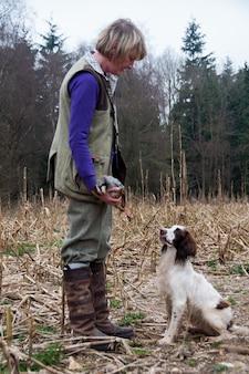 Batendo cães jogo rrual perseguição canin