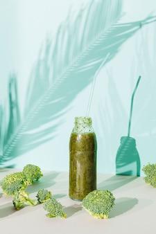 Batido de legumes e brócolis