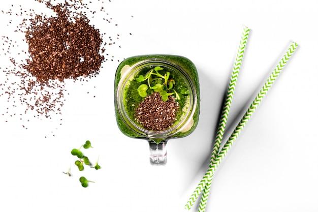 Batidos de espinafre cress green seed chia
