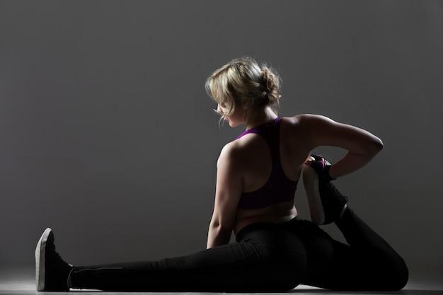 Beautiful sportsy girl pilates workout