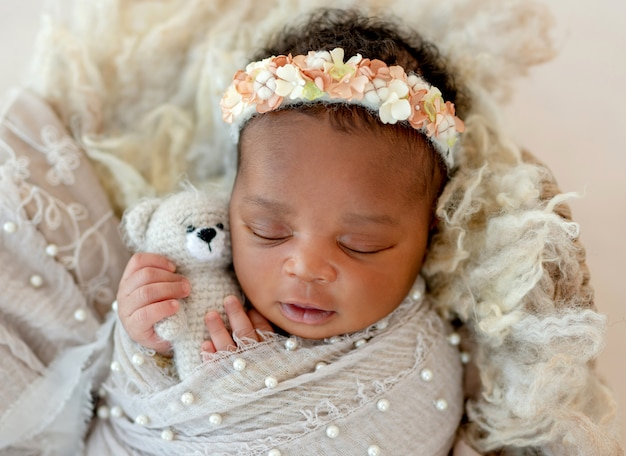 Bebê dormindo africano