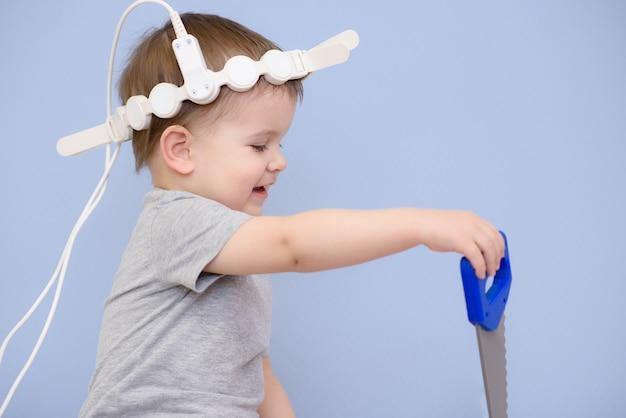 Bebê realiza procedimentos magnetoterapêuticos no hospital