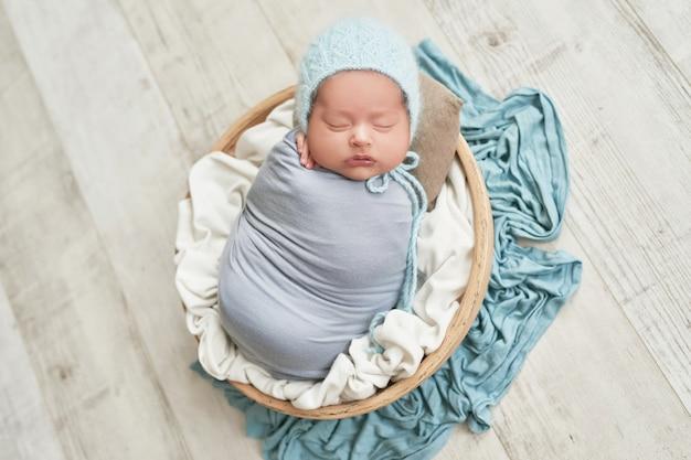Bebê recém-nascido 1 mês