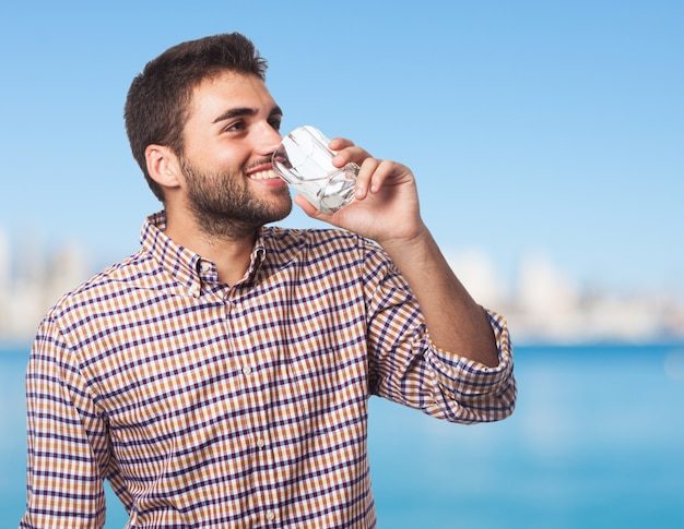 Beber holding lifestyle felicidade limpo