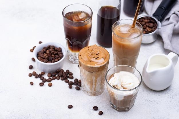 Bebida de café frio diferente na moda
