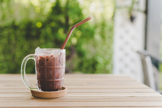 Bebida de chocolate gelado