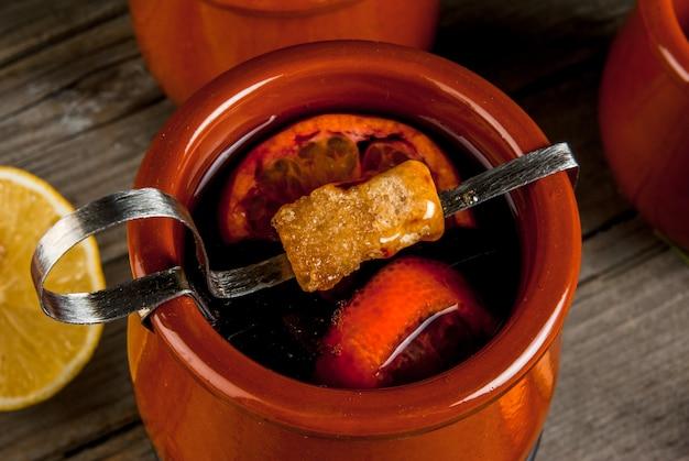 Bebida de natal alemã tradicional feuerzangenbowle