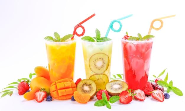 Bebida de suco de fruta fresca de verão