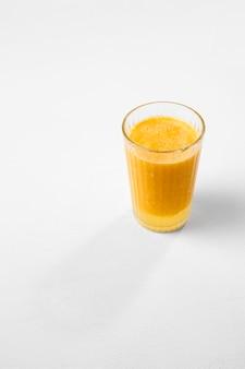 Bebida detox deliciosa de ângulo elevado