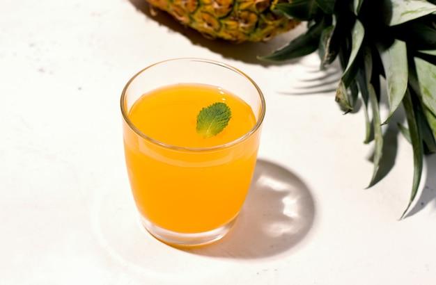 Bebida fermentada de verão, limonada de kombuchá
