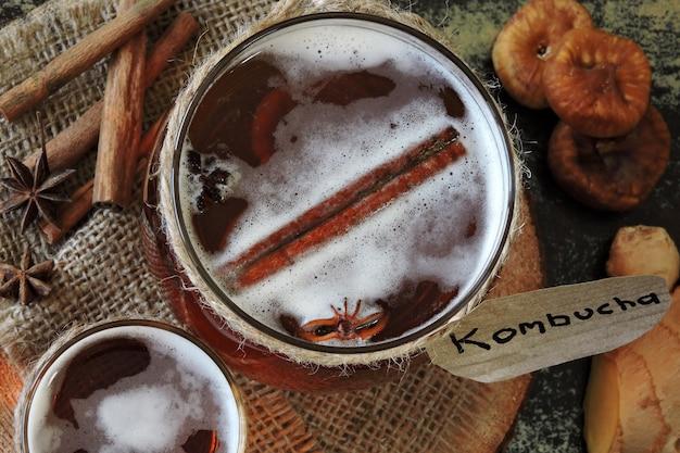 Bebida fermentada saudável kombucha