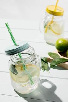 Bebida fresca cítrica