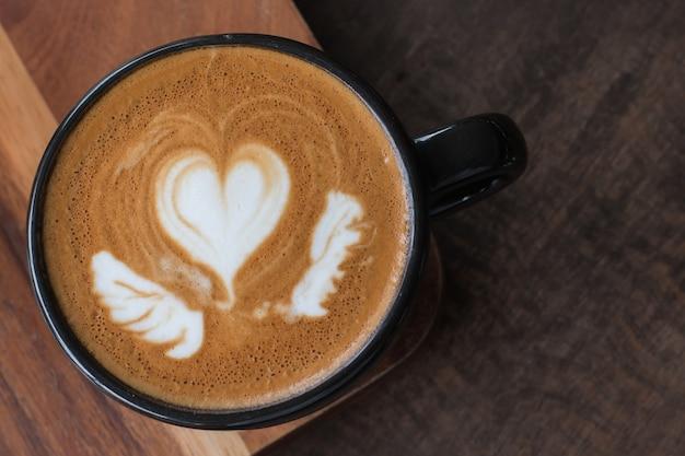 Bebida quente de café, latte art