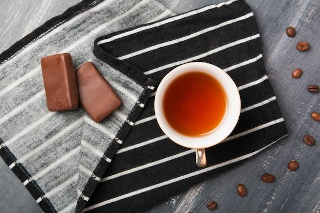 Bebida refrescante com chocolate