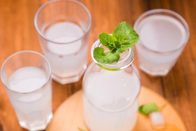 Bebida refrigerante fresca