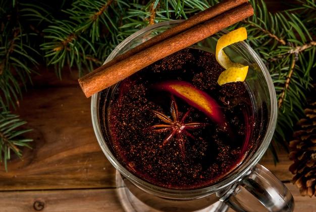 Bebida tradicional de natal vinho quente