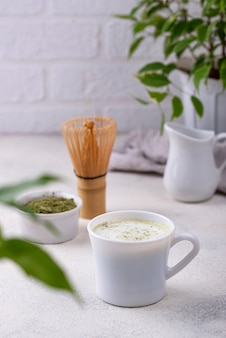 Bebida verde matcha latte saudável