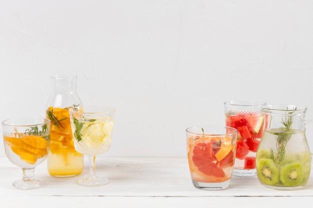 Bebidas com sabor de frutas frescas
