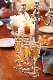 Bebidas na mesa
