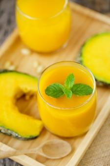 Bebidas saudáveis de suco de abóbora